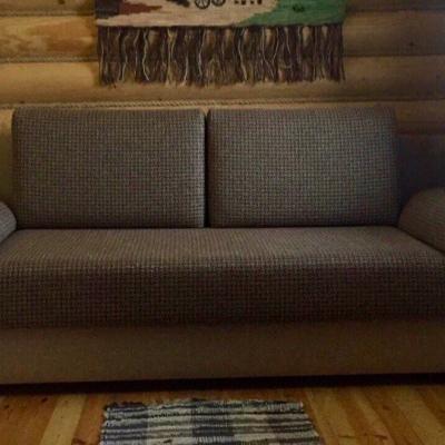 Диван идеально вписался в интерьер деревянного загородного дома!!